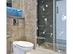 Sticker méduses sur la douche salle de bains