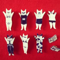 """Crazy cats"" - cat brooch by chidoriko"