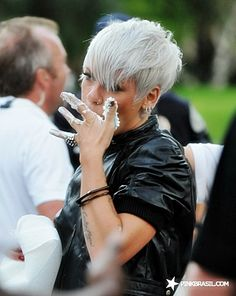 :) I love her hair color here:)