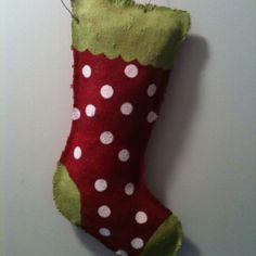 super cute idea for outside window Holiday Wreaths, Holiday Crafts, Holiday Fun, Christmas Holidays, Christmas Decorations, Christmas Stuff, Holiday Ideas, Christmas Ideas, Xmas
