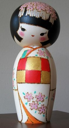 beautiful kokeshi (dolls and statues are like 3D illustrations, no?)