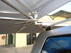 Vehicle awning 4wd CleverShade camping shade umbrella Diy Awning, Tent Awning, Roof Top Tent, T3 Camper, Popup Camper, Camper Trailers, Car Awnings, Caravan Awnings, Camping Trailer Diy