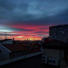 Gracias @luixrubio por compartir esta foto utilizando el #condeduquegente  #arguelles #madrid #madridcity #condeduque #condeduquegente #skyonfire #skyporn #fire #sunset #sundown #sauroneye #streetphotogragh #redskyatnight by condeduquegente