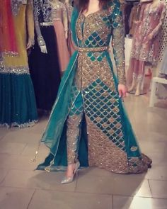 Dress Designs Videos In Pakistan - Dress Bridal Mehndi Dresses, Indian Wedding Gowns, Pakistani Wedding Outfits, Indian Gowns, Pakistani Dresses, Eid Outfits, Bridal Outfits, Indian Designer Outfits, Designer Dresses