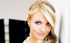 Cameron Diaz is an American famous actress and model.Her real name is Cameron Michelle Diaz. Cameron Diaz, Divas, Hollywood Celebrities, Hollywood Actresses, Most Beautiful Women, Beautiful People, Yasmine Bleeth, Belle Nana, Fashion Business