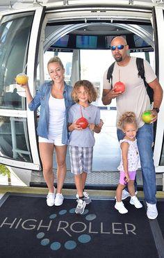 Kendra Wilkinson, Family Ride the High Roller Observation Wheel in Las Vegas