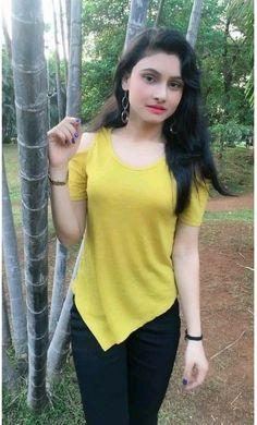 Beautiful Girl Photo, Cute Girl Photo, Beautiful Girl Indian, Girl Photo Poses, Beautiful Women, Girl Pictures, Girl Photos, Star Fashion, Girl Fashion