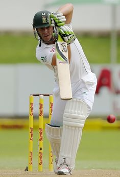 AB de Villiers drives straight, South Africa v Australia, 2nd Test, Port Elizabeth, 2nd day, February 21, 2014