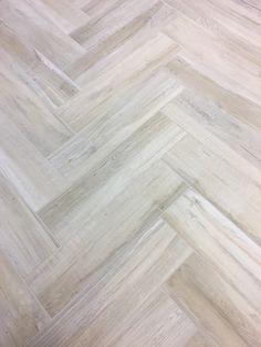 Wood Ceramic Tiles, Ceramic Tile Bathrooms, Wood Tile Floors, Wood Look Tile, Hardwood Floors, Glass Backsplash Kitchen, Backsplash Ideas, Kitchen Floor, Tile Ideas