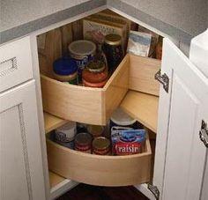 New kitchen corner cupboard built ins 51 Ideas Kitchen Corner, Kitchen Cabinetry, Kitchen Storage, Kitchen Cabinets, Kitchen Room, Kitchen Remodel, Kitchen Organization, Corner Cupboard, Kitchen Renovation