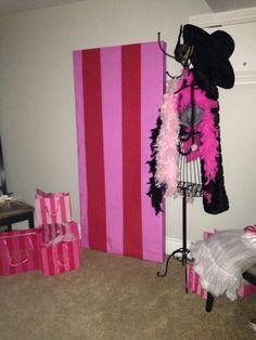 The backdrop for our Victoria's Secret Personal Shower! - lingerie, ideas, christmas, lace, renda, classy lingerie *ad