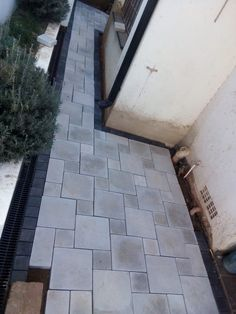 The Paving Experts for top-class paving installations in Pretoria. Pool Coping, Cladding, Fields