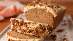 The best two desserts finally combined in one: carrot cake banana bread recipe. - Kitchen - Tips and Crafts Cake Recipes With Oil, Cake Recipes Uk, Frosting Recipes, Dessert Recipes, Vegan Recipes, Banana Cake Recipe Best, Best Carrot Cake, Banana Carrot Bread, Banana Bread Recipes