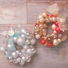 Christmas Flower Decorations, Christmas Wreaths, Christmas Mood, Xmas, Seasonal Decor, Holiday Decor, Diy Videos, Handmade Accessories, Ornament Wreath