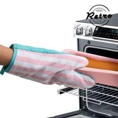 Retro Oven Glove http://www.storesupreme.com/en/parties-celebrations/11976-retro-oven-glove.html