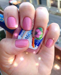 Estupenda#masglolovers#nailart Nail Artist, Swag Nails, Nailart, Nail Designs, Nail Polish, Drink, Food, Pedicures, Fingernail Designs