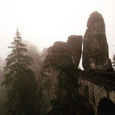 #Bastei am Morgen - einsam und auch bei Nebel schön  #sächsischeschweiz #wandern #outdoor