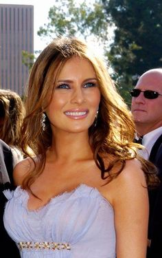First Lady Melania Trump. Looks like this was taken after her plastic surgery Melina Trump, Ivana Trump, John Trump, Donald Trump, First Lady Melania Trump, Trump Melania, Melania Knauss Trump, Presidents Wives, Donald And Melania