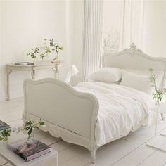 Bedding:Biella Alabaster Bedding design by Designers Guild Bed Linen Design, Bed Design, Neutral Bed Linen, Casa Loft, Stylish Home Decor, Aesthetic Bedroom, Designers Guild, Design Your Home, Zara Home
