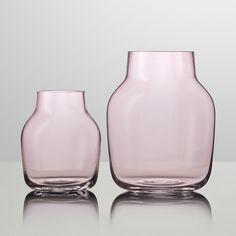 Muuto Silent Vase in rose