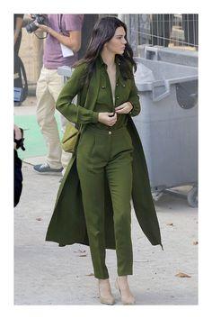 Cómo combinar el color verde militar  TiZKKAmoda  monocolor  monocromático   blusa  pantalón d7c332933d02