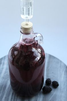 Homemade Blackberry Wine — Practical Self Reliance Homemade Wine Recipes, Homemade Alcohol, Homemade Liquor, Beer Recipes, Brewing Recipes, Fig Recipes, Drink Recipes, Easy Strawberry Wine Recipe, Liqueurs