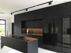 Black as the power to add refined sophistication to a room! Find some inspiratio Black Kitchen Add Black Find Inspiratio power Refined Room sophistication Black Kitchen Decor, Kitchen Room Design, Modern Kitchen Design, Home Decor Kitchen, Modern House Design, Interior Design Living Room, Kitchen Ideas, Kitchen Trends, Kitchen Tips