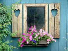 House with pink door and shutters Cottage Windows, Garden Windows, Window Shutters, Window Boxes, Old Windows, Windows And Doors, Side Window, Window Dressings, Through The Window