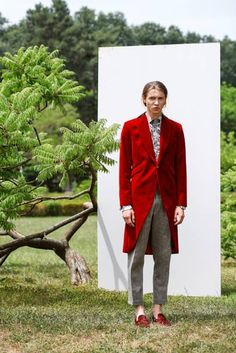 See all the Collection photos from Florin Dobre Spring/Summer 2019 Menswear now on British GQ Gq Magazine, Suit Jacket, Menswear, Spring Summer, Blazer, Suits, Editorial, How To Wear, Jackets