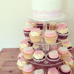 Wedding Cupcakes www.facebook.com/breezyscakes