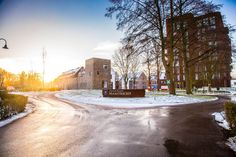 Welkom bij Dormio Resort Maastricht! Hier kun je gratis je auto parkeren en dan inchecken bij de receptie op Het Wilhelmus. Geniet van je verblijf! Resorts, Country Roads, Winter, Outdoor, Winter Time, Outdoors, Vacation Resorts, Beach Resorts, Outdoor Games