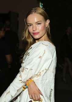 Pin for Later: Celebrities Show Off Even More Gorgeous Festival Beauty Looks Kate Bosworth Kate looked stunning, thanks to flushed cheeks and slightly stained lips. Kate Bosworth, Ear Earrings, Statement Earrings, Festival Braid, Music Festival Fashion, Music Festivals, Festival Style, Eccentric Style, Earring Trends
