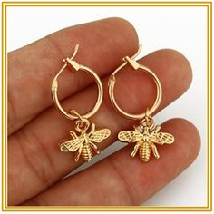 Bumble bee earrings - 1 Pair Chic Gold Color Small Bee Pendant Earrings For Women Cute Stereoscopic Insect Earrings Fashion Jewelry Gift – Bumble bee earrings Simple Earrings, Cute Earrings, Pendant Earrings, Silver Hoop Earrings, Diamond Earrings, Garnet Earrings, Silver Ring, Butterfly Earrings, Animal Earrings