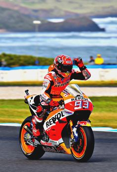 Pole Position for Marc Marquez (Photo l Michelin) Marc Marquez, Motorcycle Racers, Racing Motorcycles, Gp Moto, Spanish Grand Prix, Vintage Mustang, Bike Stickers, Honda Grom, Ducati