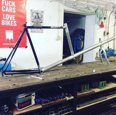 Omnium style cargo bike