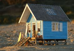 Miniature Beach Hut by Jules Bailey Miniature Houses, Miniature Dolls, Fairy Houses, Play Houses, Popsicle Stick Houses, Surf Shack, Cabins And Cottages, Small World, Little Houses