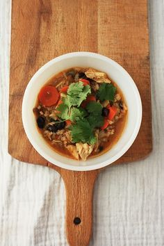 summer harms: Slow Cooker Smoky Chicken Chili