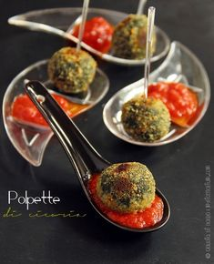 Polpette di cicoria Mini Omelets, Types Of Meat, Stuffed Mushrooms, Stuffed Peppers, Eat Lunch, Paper Cupcake, Picky Eaters, Meatloaf, Finger Foods