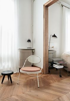 A dusty pink chair - COCO LAPINE DESIGNCOCO LAPINE DESIGN