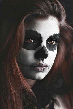 Maquillage mexicain de tête de mort en sucre /Mexican Sugar Skull /Dias de los Muertos makeup.