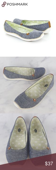"""Dr. Scholl's Blue Joliet Chambray Slip On Flats Dr. Scholl's Blue Joliet Chambray Slip On Comfy Flats. Flat feels fantastic with Dr. Scholl's Joliet shoe. This slip-on is crafted w/ a metallic fabric or stripe-printed jersey fabric upper that plays w/ light & texture. The massaging wave-cushioned footbed & Free Step technology provide a natural foot strike to energize your stride, the Joliet grips the ground with a lightweight rubber sole. Excellent Used Condition. Insole Heel-Toe: 10.75""""…"""