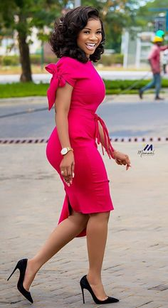 How to Look Classic Like Serwaa Amihere - Outfits Best African Dresses, Latest African Fashion Dresses, African Print Fashion, African Attire, African Prints, Office Dresses For Women, Office Outfits Women, Stylish Work Outfits, Classy Outfits