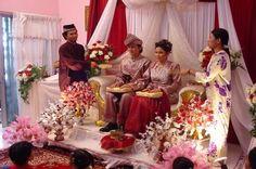 Malaysian wedding photo of a  malaysian wedding  Keywords: #weddings #jevelweddingplanning Follow Us: www.jevelweddingplanning.com  www.facebook.com/jevelweddingplanning/