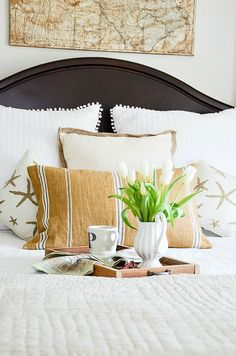 No matter what season it is, you can find bedroom and other home décor items to match the season and your unique style, all on eBay! Did you know four bedding items are sold every minute on eBay? AD I'm loving these cozy and comfy bedroom finds from Yvonne: http://www.stonegableblog.com/5-easy-ways-bring-summer-bedroom/