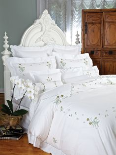 The incredible beauty of Holland's famed Lisse tulip fields inspires these exquisite hand embroidered tulips. Superbly rendered in lush. Home Decor Kitchen, Home Decor Bedroom, Linen Bedding, Bedding Sets, Bed Linens, Luxury Bedding Collections, Shabby Chic Bedrooms, Vintage Home Decor, Vintage Bedroom Styles