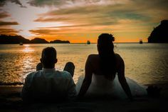 This could be one of our all time favourite wedding photos! This stunning photo was taking at the brand new Dreams Las Mareas by wedding photographers Robert & Theresa Lee