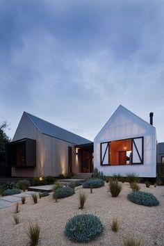 Tri-pavilion architecture breathes new life into Barwon Heads beach house | Designhunter - Australia's best architecture & design blog #pavilionarchitecture