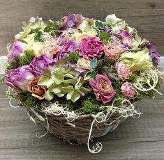 Basket Driedflowers Floral Wreath, Basket, Wreaths, Home Decor, Flowers, Floral Crown, Decoration Home, Door Wreaths, Room Decor