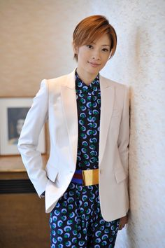 明日海りお 撮影:奥村達也 Japanese Beauty, New Image, Interview, Blazer, Boys, Women, Baby Boys, Blazers, Senior Boys