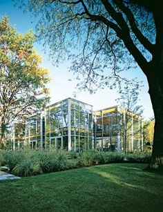 AD 2005 May - Clearly Stated north of Chicago - another view of the glass house